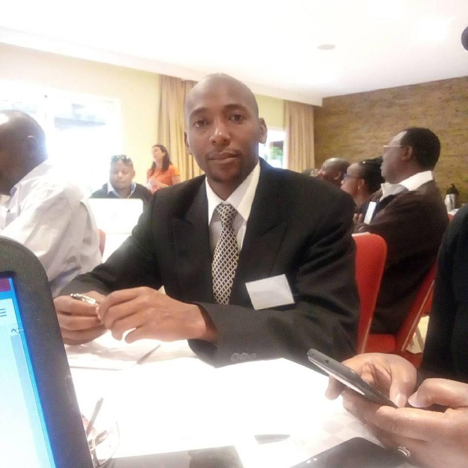 Alexander_Nderitu_at_a_Worldreader_Workshop_for_publishers[1]